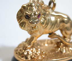 Golden King: Lion Bloodstone Fob
