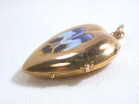 Memento of the Heart Victorian Locket