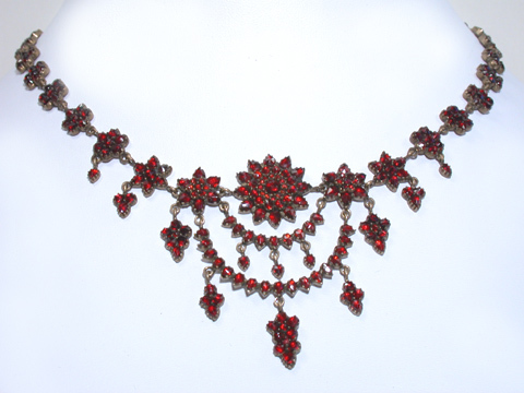Bohemian Garnet Festoon Necklace