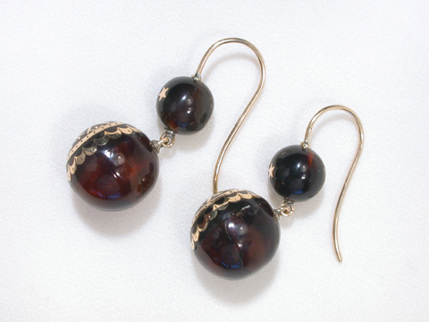Victorian Delight: Piqué Antique Earrings