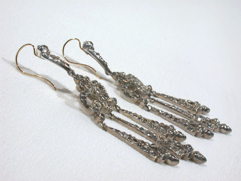 Luxurious Paste Dangle Earrings