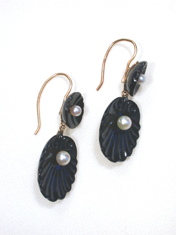 Onyx Shell Pearl Earrings
