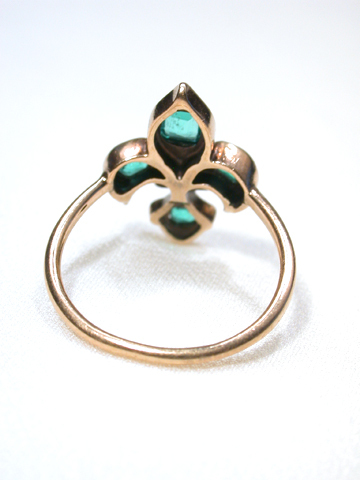 Antique Emerald & Diamond Fleur De Lis Ring
