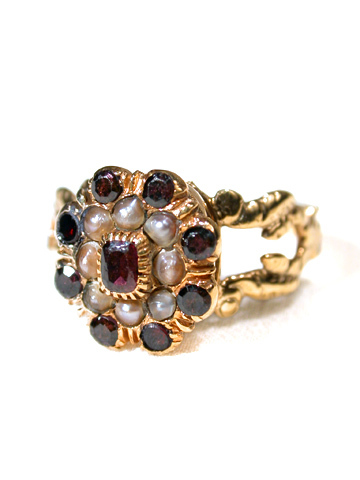 Rare Georgian Vinaigrette Garnet Ring