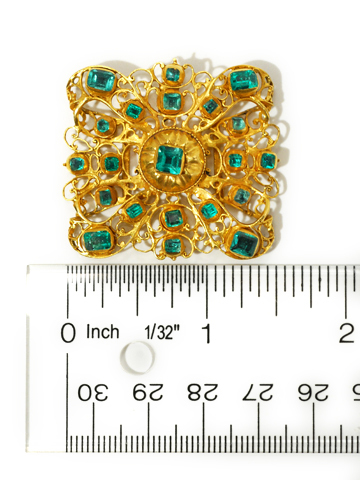 Very Scarce 18th C. Emerald Gold Slide
