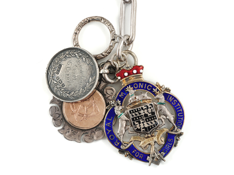 Take the Prize - Silver Medallion Necklace