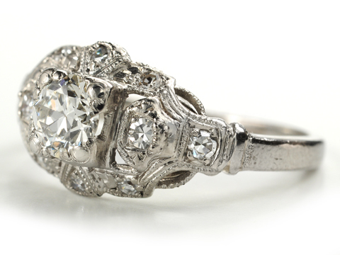 1930s Art Deco Diamond Platinum Ring