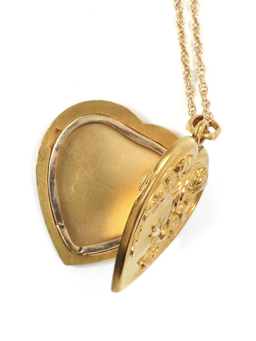 Art Nouveau Heart Locket Pendant