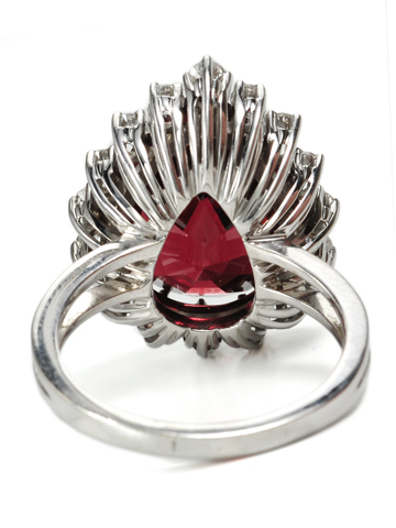 Pear Shaped Garnet Diamond Ring