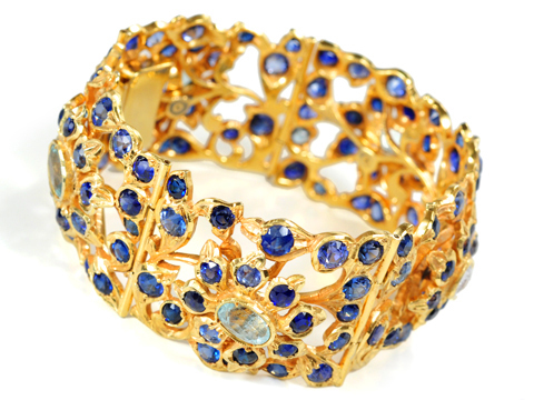 From Water to Sky  -  Enthralling Sapphire Bracelet