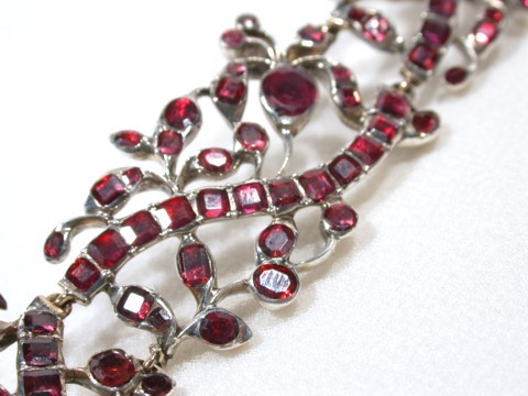 Antique Early Georgian Garnet Necklace