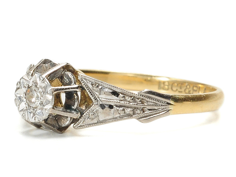 Arrows in Time – Platinum-Topped Diamond Ring