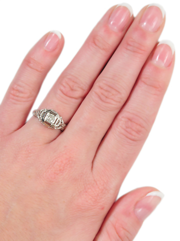 Art Deco Vintage Beauty of a Solitaire Ring