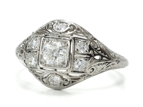 Vintage Diamond Ring of Platinum