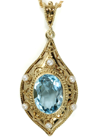 Shades of the Renaissance: Aquamarine Pendant & Chain
