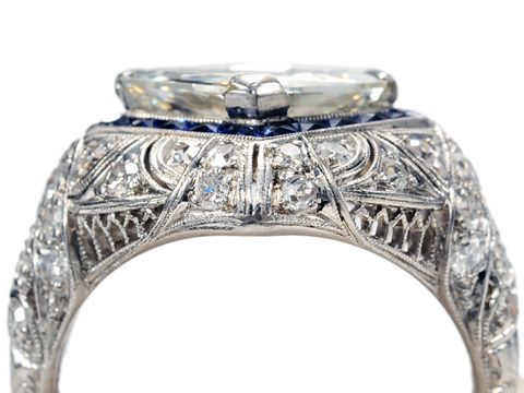 Exceptional Diamond Sapphire Ring