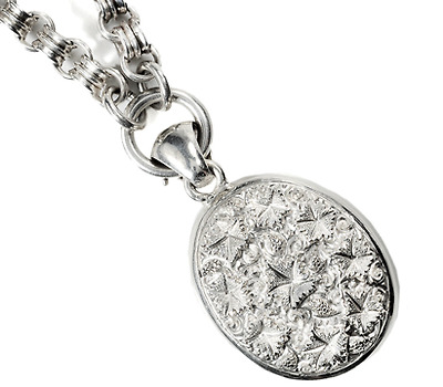 Victorian Ivy Memories: Silver Locket & Chain