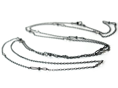 Gunmetal Chain Necklace with Pastes