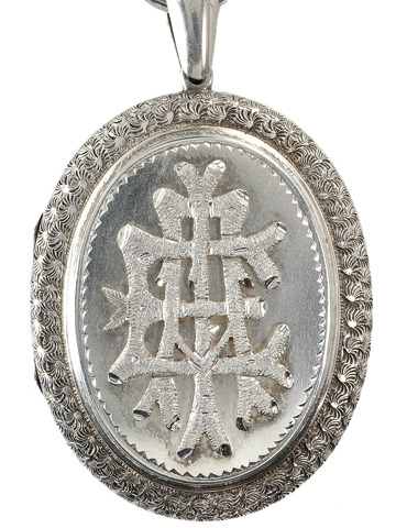 Victorian AEI Locket & Necklace