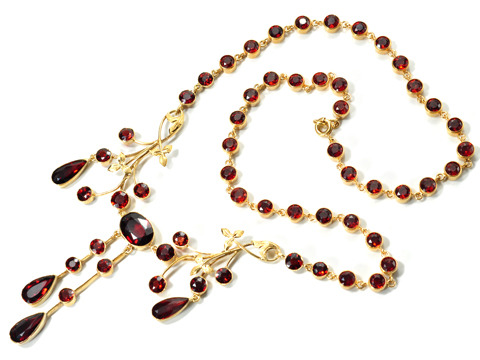 Antique Cinnamon & Spice: Edwardian Garnet Necklace
