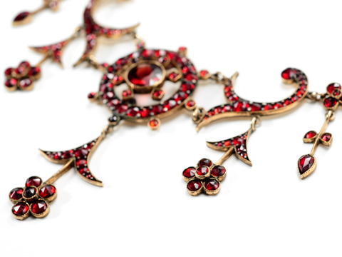 Romantic Edwardian Bohemian Garnet Necklace