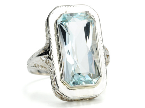 Art Deco Pizzazz in an Aquamarine Ring
