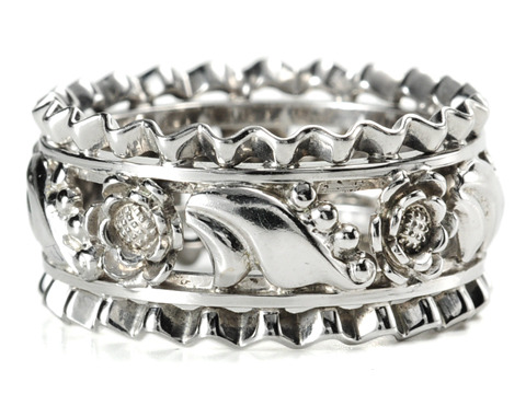 Retro Flair in an Eternity Band