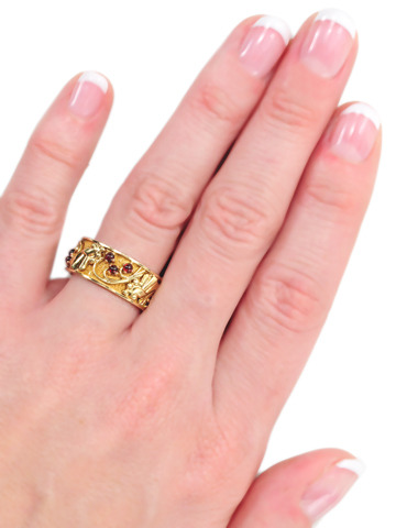 Golden Surprise: Retro Eternity Ring