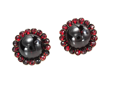 Perfect Flowers: Victorian Bohemian Garnet Earring