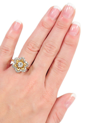 Noteworthy Jabel Diamond Flower Estate Ring
