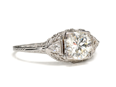 Fabulous Diamond Engagement Ring of 1.01 Carats