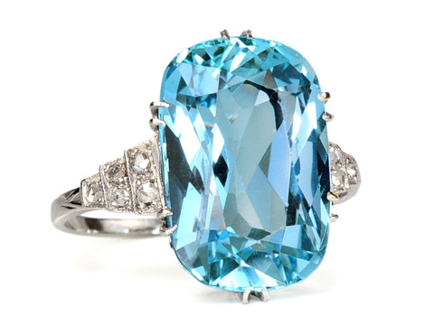Azure Seas: Art Deco Aquamarine Diamond Ring