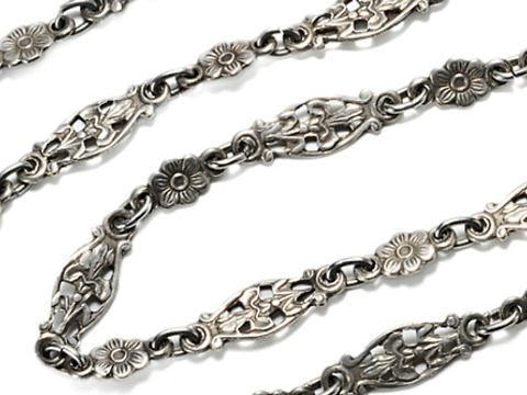 Evocative Art Nouveau Silver Necklace Chain