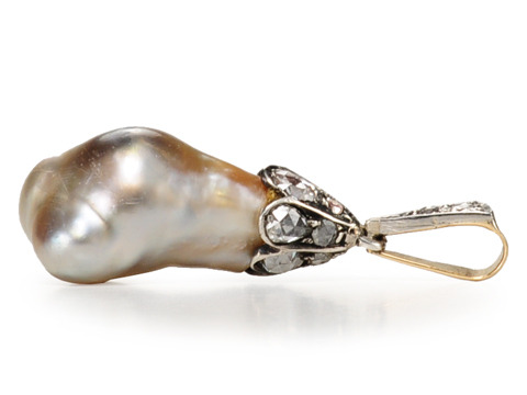 La Miríada - Natural Pearl Diamond Pendant