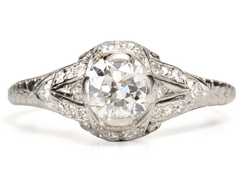 Gracious Elegance : 1920s Diamond Platinum Ring