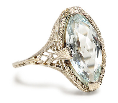 Evocative Caress: Art Deco Aquamarine Ring