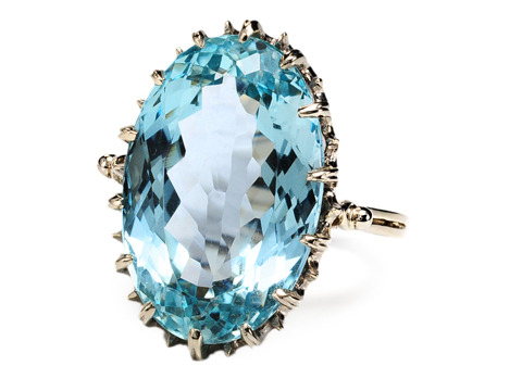 Take The Plunge: 14.26 ct Aquamarine Ring
