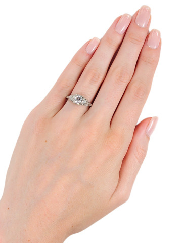 Le Hot Chic Diamond Engagement Ring