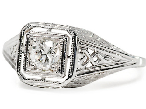 American Beauty: Diamond Engagement Ring