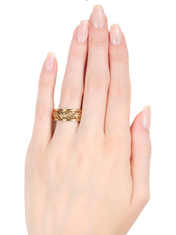 Daisies Forever: Rose Gold Eternity Band