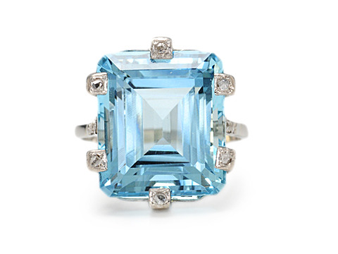 Sumptuous Aquamarine & Diamond Ring