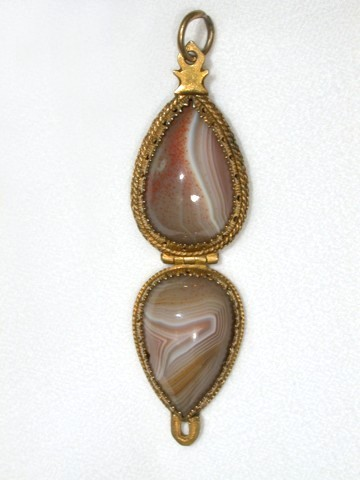 Mid 17th Century Amulet Pendant of Agate