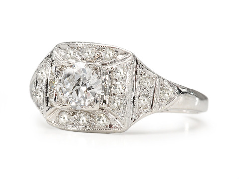 Diamond Glamour in an Art Deco Ring