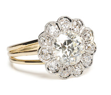 Art Deco Cluster Ring with 1.12 ct Diamond