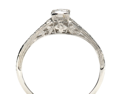 Sparkling Art Deco Solitaire Diamond