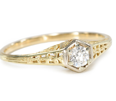 Charming Art Deco Diamond Filigree Ring