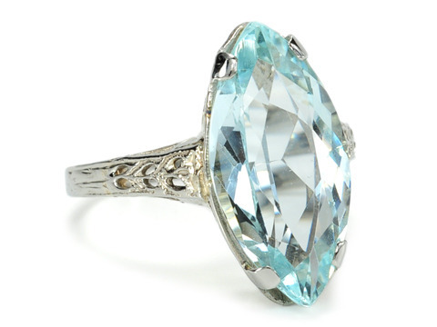 Cool Passion...Vintage Aquamarine Ring