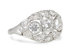 Sparkling Art Deco Diamond Ring
