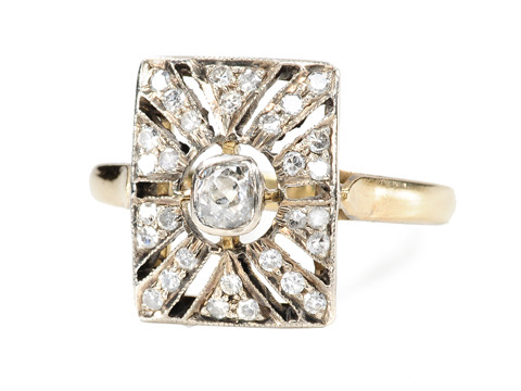 Drama Divine: Roaring Twenties Diamond Ring