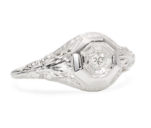 Vintage Acanthus Motif Diamond Ring